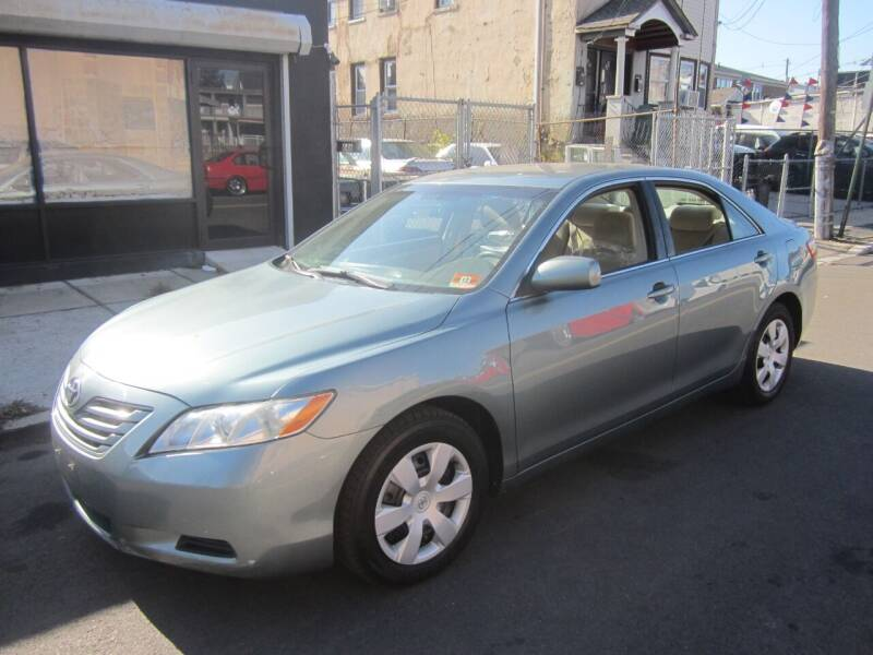 2009 Toyota Camry for sale at Cali Auto Sales Inc. in Elizabeth NJ