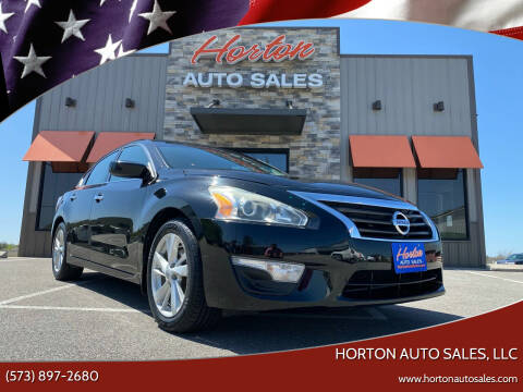 2014 Nissan Altima for sale at HORTON AUTO SALES, LLC in Linn MO