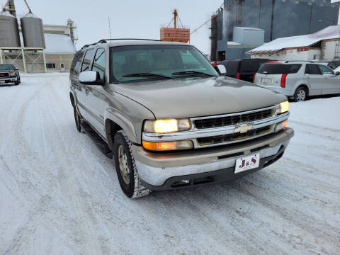 2000 Chevrolet Suburban for sale at J & S Auto Sales in Thompson ND