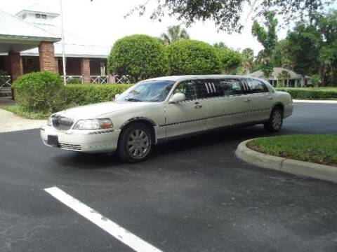 2006 Lincoln Town Car for sale at Classic Car Deals in Cadillac MI