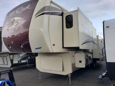 2018 Forest River cedar creek hathaway 38CK2 for sale at Ultimate RV in White Settlement TX