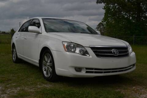 2005 Toyota Avalon for sale at WOODLAKE MOTORS in Conroe TX