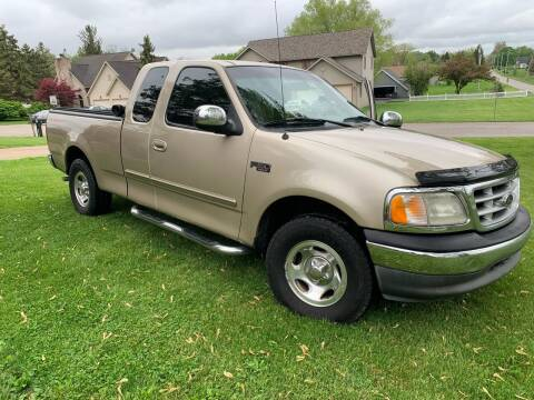 2000 Ford F-150 for sale at Clarks Auto Sales in Connersville IN