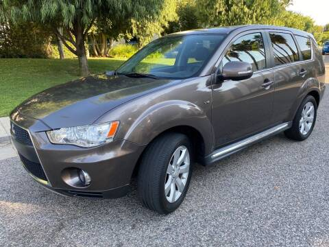 2011 Mitsubishi Outlander for sale at Donada  Group Inc in Arleta CA