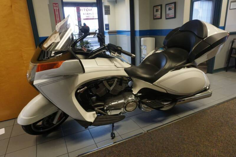 2014 Victory VISION FREEDOM for sale at Ultimate Auto Deals DBA Hernandez Auto Connection in Fort Wayne IN