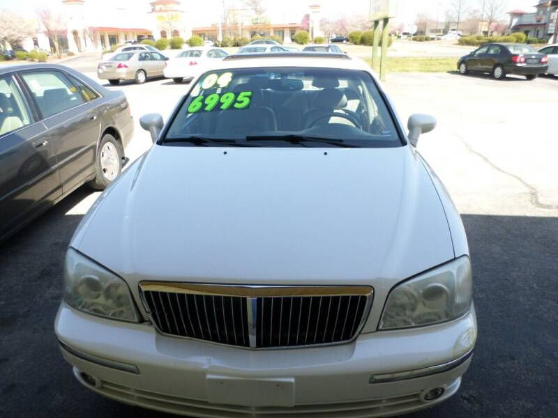 2004 Hyundai XG350 for sale at Credit Cars of NWA in Bentonville AR