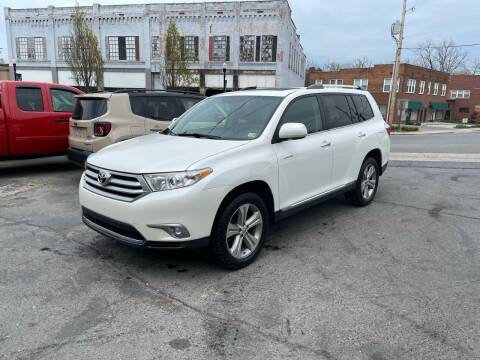 2013 Toyota Highlander for sale at East Main Rides in Marion VA