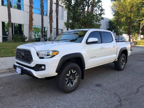 2019 Toyota Tacoma for sale at Trade In Auto Sales in Van Nuys CA