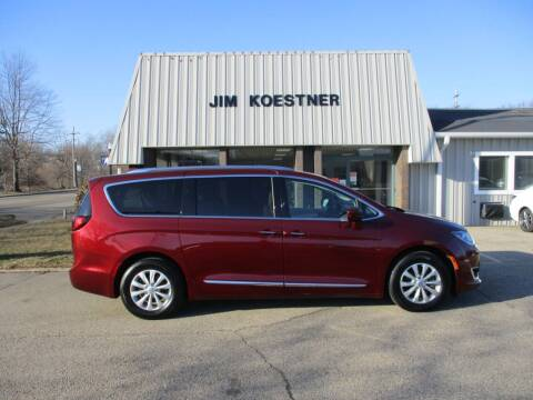 2018 Chrysler Pacifica for sale at JIM KOESTNER INC in Plainwell MI