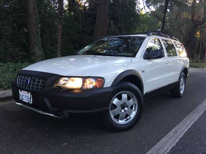 2002 Volvo XC for sale at Valley Coach Co Sales & Lsng in Van Nuys CA