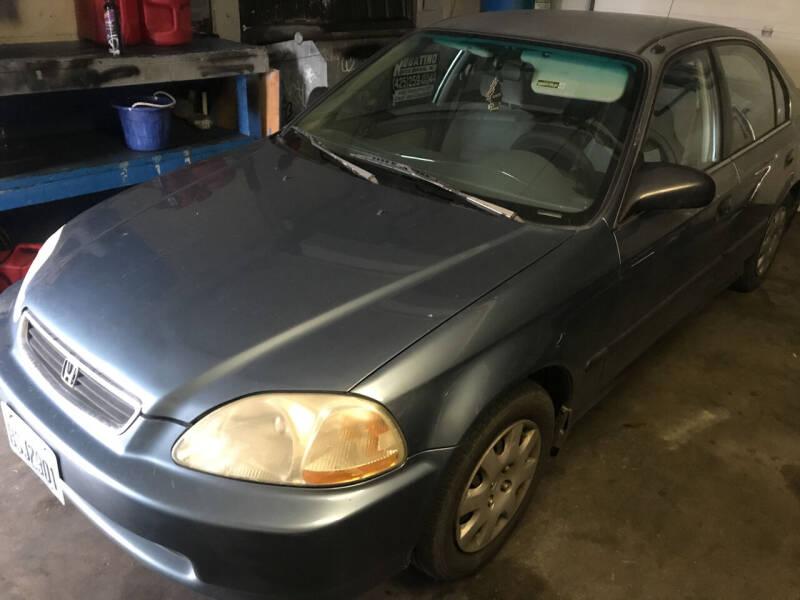 1998 Honda Civic for sale at American Dream Motors in Everett WA