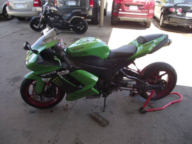 2007 Kawasaki Ninja ZX-6R for sale at World Wide Automotive in Sioux Falls SD
