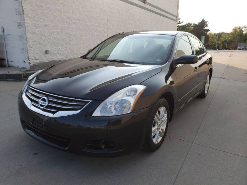 2011 Nissan Altima for sale at Auto Choice in Belton MO