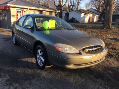 2002 Ford Taurus for sale at Antique Motors in Plymouth IN