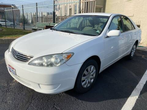 2005 Toyota Camry for sale at AUTO4N SALES LLC in Cincinnati OH