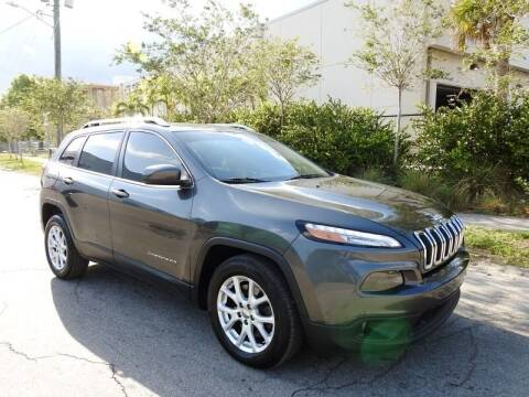2015 Jeep Cherokee for sale at SUPER DEAL MOTORS in Hollywood FL