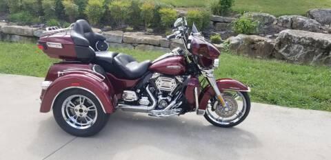 2015 Harley-Davidson FLHTCUTG for sale at HIGHWAY 12 MOTORSPORTS in Nashville TN