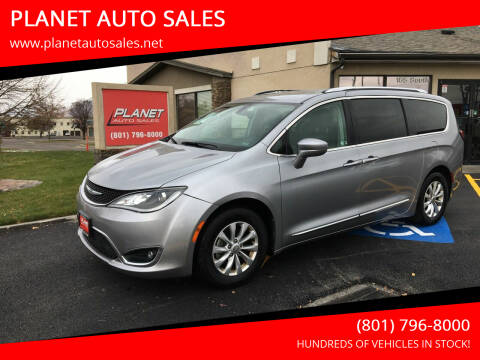 2018 Chrysler Pacifica for sale at PLANET AUTO SALES in Lindon UT