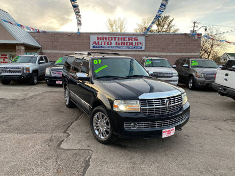 2007 Lincoln Navigator for sale at Brothers Auto Group in Youngstown OH