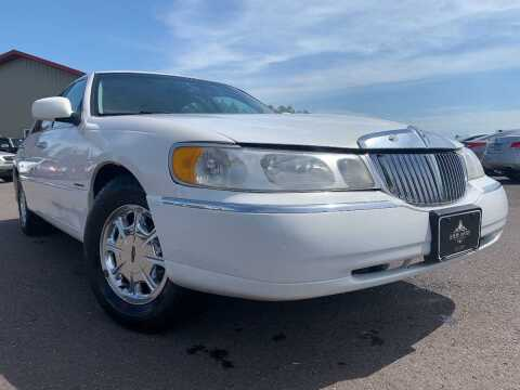 1999 Lincoln Town Car for sale at LUXURY IMPORTS in Hermantown MN