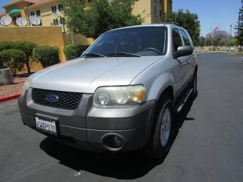 2006 Ford Escape for sale at PRESTIGE AUTO SALES GROUP INC in Stevenson Ranch CA
