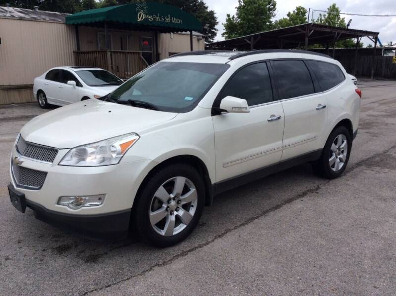 2012 Chevrolet Traverse for sale at OASIS PARK & SELL in Spring TX