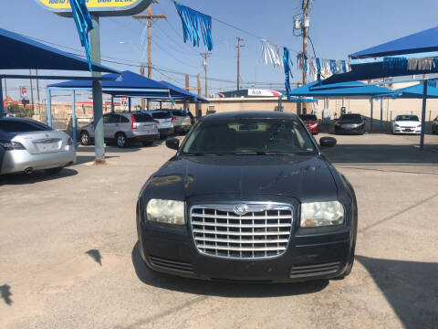 2007 Chrysler 300 for sale at Autos Montes in Socorro TX