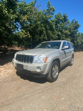 2007 Jeep Grand Cherokee for sale at M AND S CAR SALES LLC in Independence OR