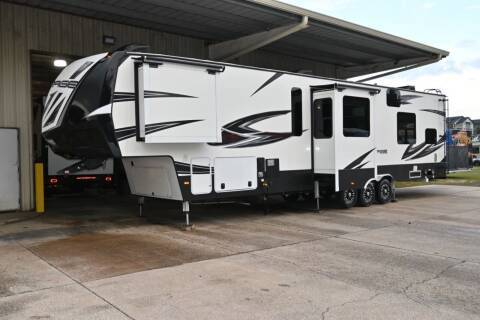 2017 Dutchmen Voltage 4105 for sale at Thurston Auto and RV Sales in Clermont FL