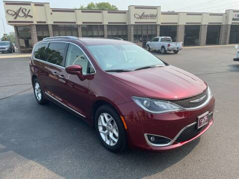 2020 Chrysler Pacifica for sale at ASSOCIATED SALES & LEASING in Marshfield WI
