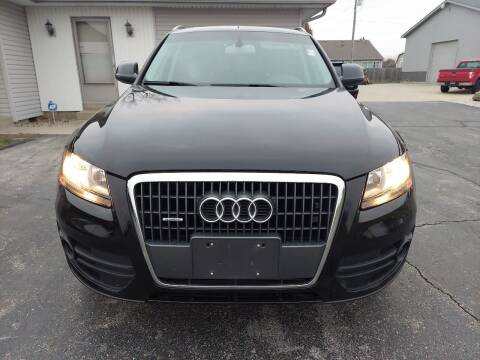 2011 Audi Q5 for sale at CALDERONE CAR & TRUCK in Whiteland IN