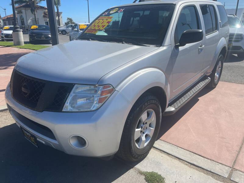 2008 Nissan Pathfinder for sale at Soledad Auto Sales in Soledad CA