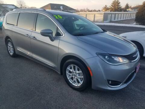 2020 Chrysler Pacifica for sale at Cooley Auto Sales in North Liberty IA