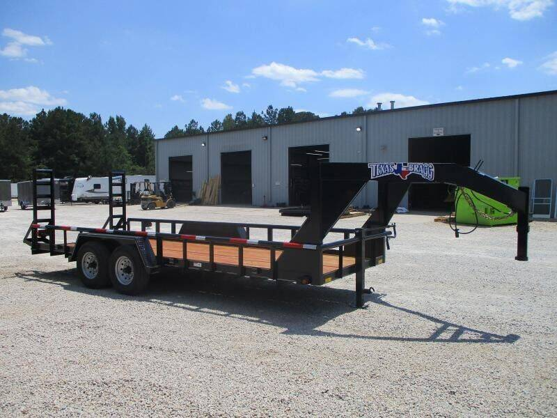 2021 Texas Bragg Trailers 20' Big Pipe Gooseneck Equipme for sale at Vehicle Network - HGR'S Truck and Trailer in Hope Mills NC