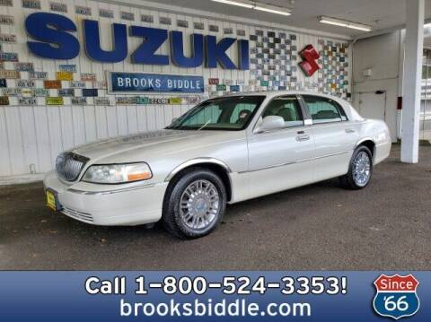 2006 Lincoln Town Car for sale at BROOKS BIDDLE AUTOMOTIVE in Bothell WA