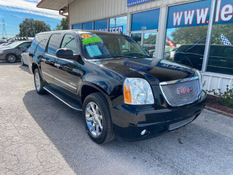 2013 GMC Yukon XL for sale at Lee Auto Group Tampa in Tampa FL