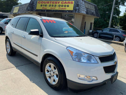 2011 Chevrolet Traverse for sale at Courtesy Cars in Independence MO