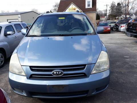 2006 Kia Sedona for sale at GALANTE AUTO SALES LLC in Aston PA