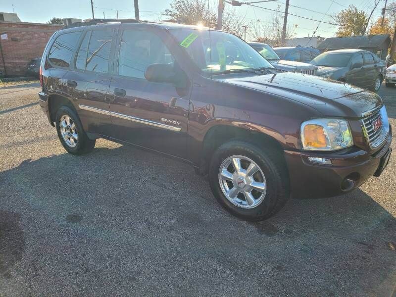 2006 GMC Envoy for sale at Johnny's Motor Cars in Toledo OH