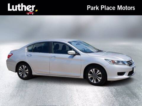 2013 Honda Accord for sale at Park Place Motor Cars in Rochester MN