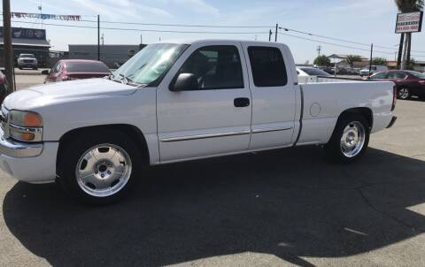 2005 GMC Sierra 1500 for sale at First Choice Auto Sales in Bakersfield CA
