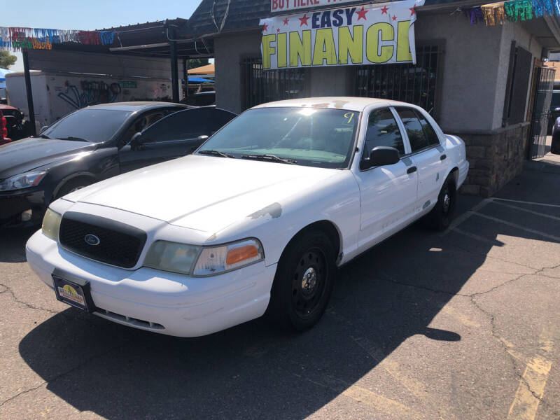 2006 Ford Crown Victoria for sale at Valley Auto Center in Phoenix AZ