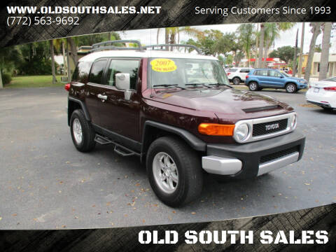 2007 Toyota FJ Cruiser for sale at OLD SOUTH SALES in Vero Beach FL