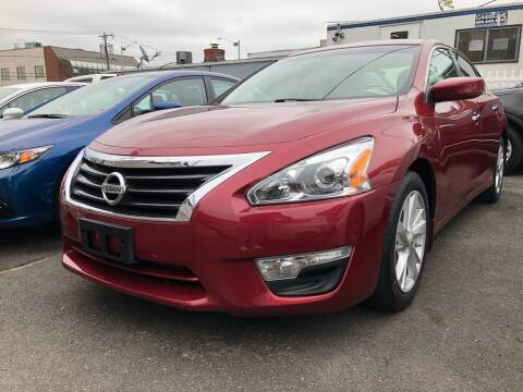 2014 Nissan Altima for sale at OFIER AUTO SALES in Freeport NY