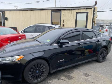 2014 Ford Fusion Hybrid for sale at Debo Bros Auto Sales in Philadelphia PA