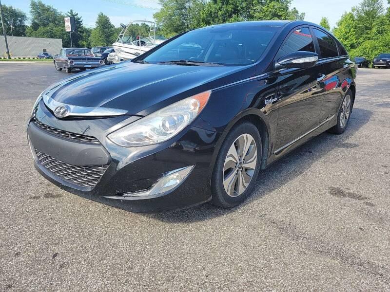 2013 Hyundai Sonata Hybrid for sale at Cruisin' Auto Sales in Madison IN