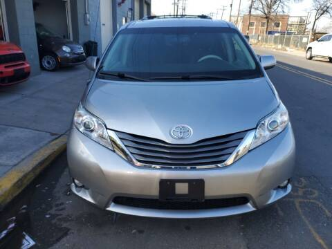 2013 Toyota Sienna for sale at SUNSHINE AUTO SALES LLC in Paterson NJ