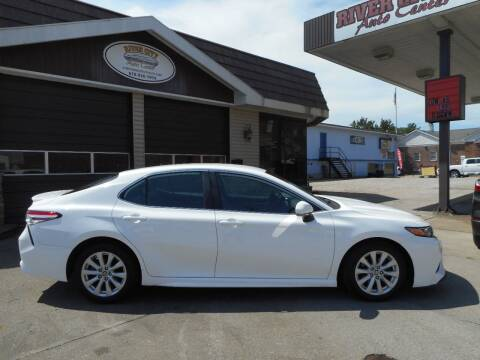 2020 Toyota Camry for sale at River City Auto Center LLC in Chester IL