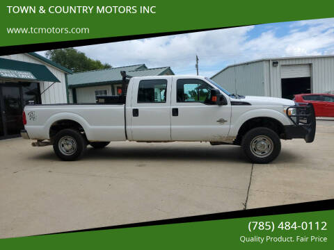 2015 Ford F-250 Super Duty for sale at TOWN & COUNTRY MOTORS INC in Meriden KS