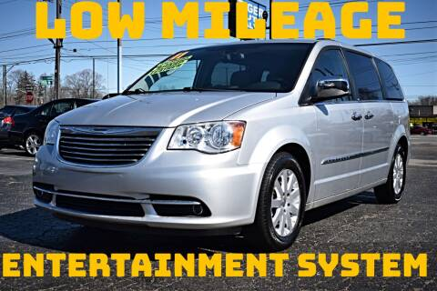2011 Chrysler Town and Country for sale at TIGER AUTO SALES INC in Redford MI